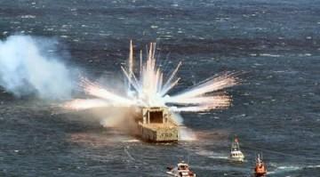 medium_boat_explosion.2.jpg